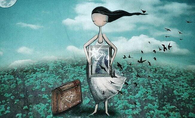 Mädchen hält Spiegel vor sich, aus dem Vögel fliegen