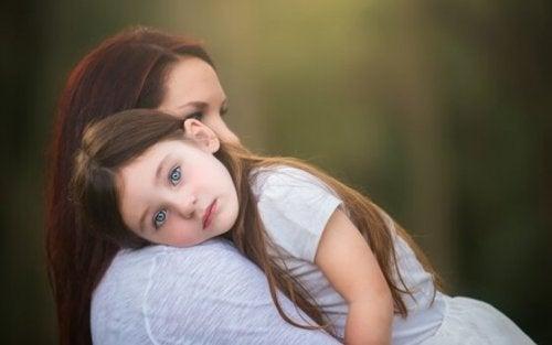 Kindererziehung ohne Schreie: Erziehe verantwortungsvoll und mit Liebe