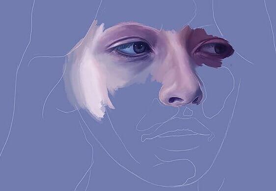 Traurige Frau in Blau