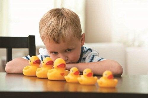 Junge mit Autismus
