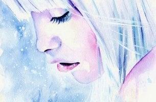 Trennung überwinden - traurige Frau in eiskalten Farben
