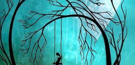 Traurige Frau auf einer Schaukel