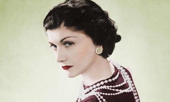 10 fantastische Lehren von Coco Chanel