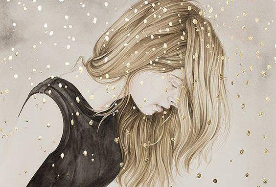 Frau in schwarzem Kleid steht mit gebeugtem Kopf in einem Regen aus Gold.
