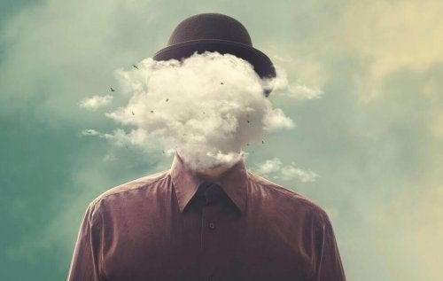 Mann mit Wolke vor dem Gesicht
