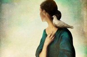 Dem Tod nahe - Frau mit Taube auf der Schulter