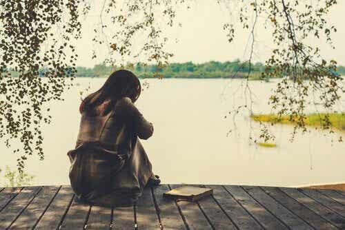Welche sind die Phasen des Schmerzes nach einer Trennung?