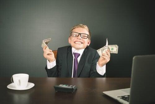 Junge mit Geld