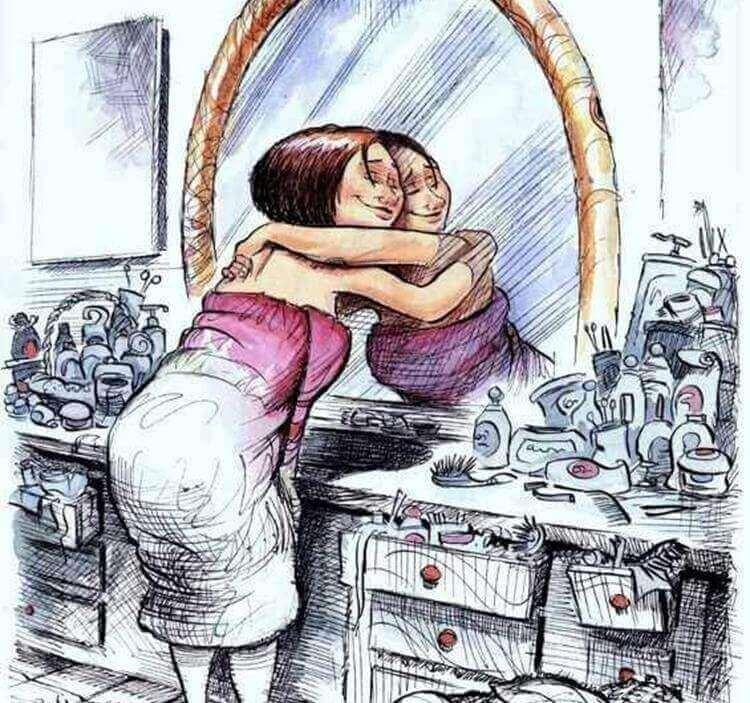 Frau umarmt ihr Spiegelbild