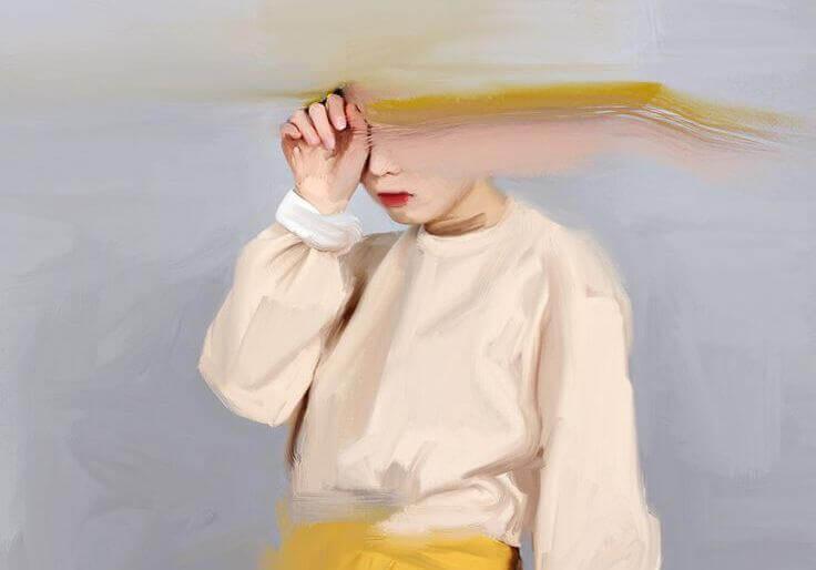 Bild eines Kindes, dessen Kopf verwischt ist