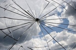 Broken-Window-Theorie - zerbrochenes Glas
