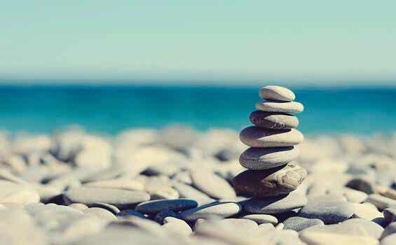 Die Geschichte von den Steinen im Glas: Wie können wir besser mit Sorgen umgehen?