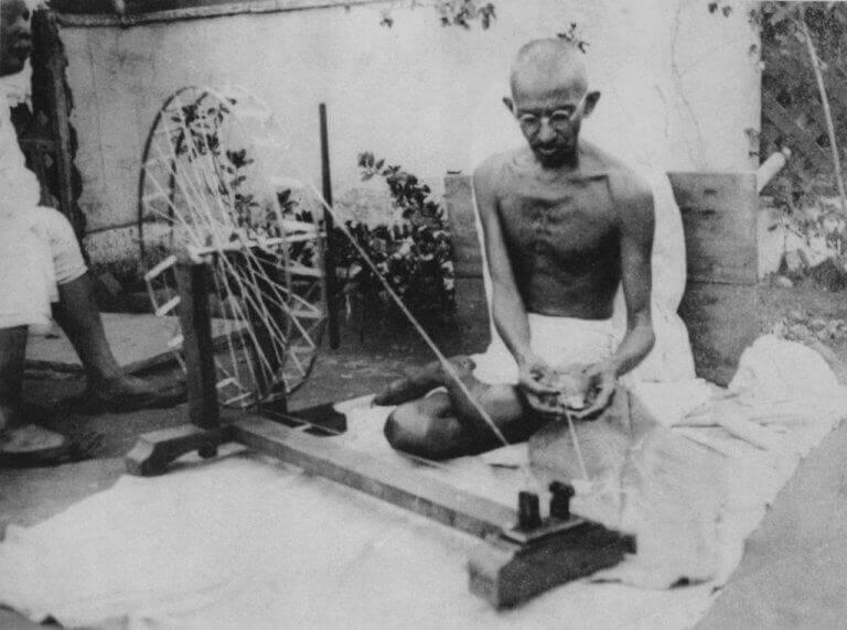 Nähender Gandhi