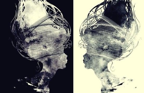 Negativ und Positiv des Bildes einer Frau