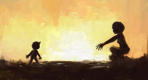 Mutter und Kind gegen die Sonne