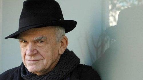 10 unvergessliche Zitate von Milan Kundera