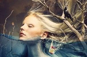 Angst vor dem Unbekannten - einer Frau steht das Wasser bis zum Kinn