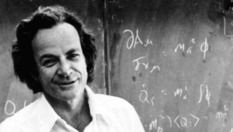 Feynmann vor einer Tafel