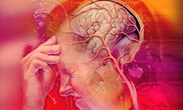 Mensch leidet unter extremen Kopfschmerzen