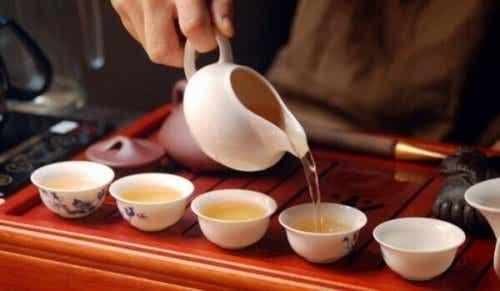 Die Teezeremonie und die bewusste Meditation