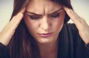 Hypochonder - Frau mit Kopfschmerzen