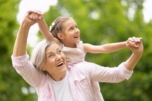 Känguru-Großeltern: Der wahre Schlüssel zur Vereinbarkeit von Familie und Beruf