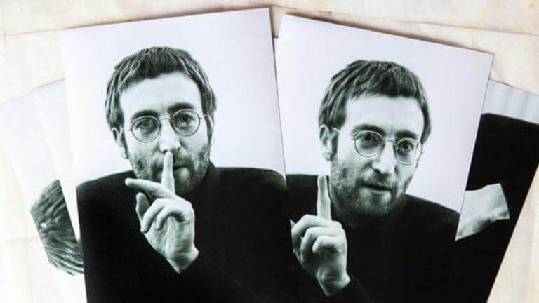 Schwarz-Weiß-Fotos von John Lennon