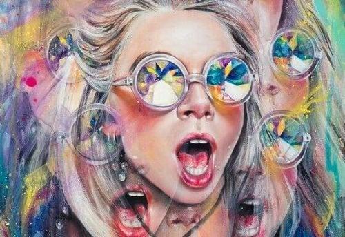 Frau sieht bunte Farben durch Sonnenbrille