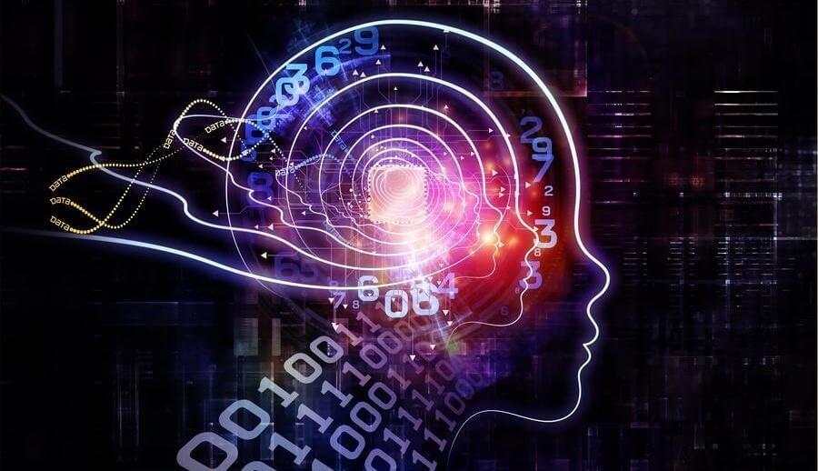 Intelligenter Kopf mit vielen Zahlen