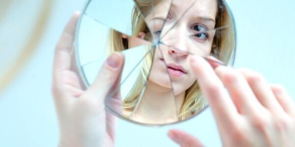 11 Anzeichen dafür, dass du zu selbstkritisch bist