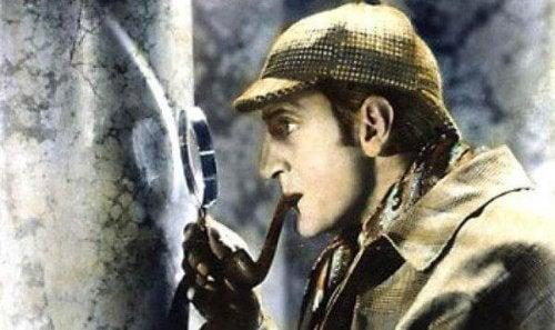 7 Tipps, um zu lernen, wie Sherlock Holmes zu denken