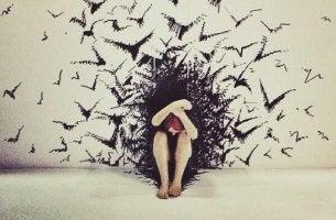 Emotionale Nehmer - Frau umgeben von Vögeln