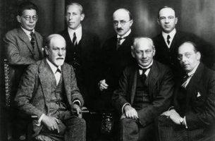 Autoren der Psychoanalyse - Sigmund Freud mit anderen Psychoanalytikern