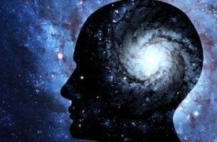 Bewusstsein - Galaxie in menschlichem Kopf