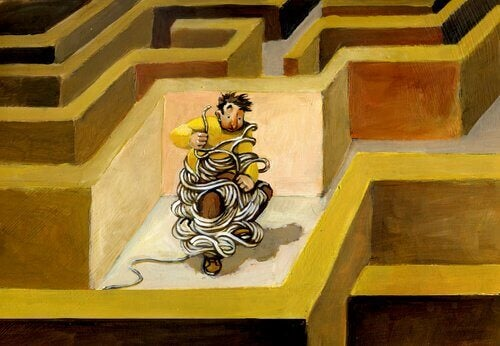 Gefesselter Mann in Labyrinth