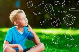 Intuitive Theorien - ein Kind am Kopfrechnen