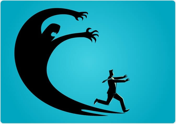 Mann läuft vor seiner Angst weg