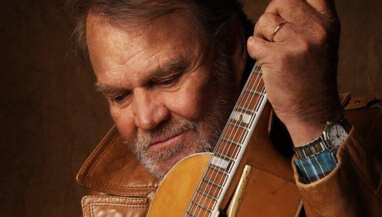 Glen Campbell mit Gitarre
