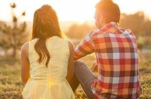 Brutal ehrlich sein - Paar spricht über Probleme