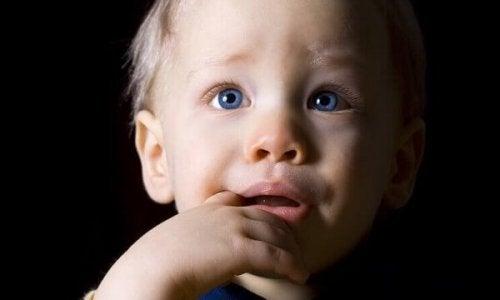 Depressionen in der Kindheit: unbekannt, verwirrt und vergessen