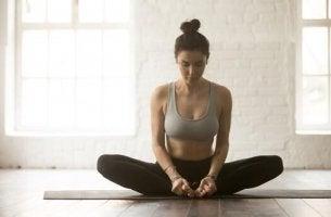 Yoga-Übungen zur Linderung von Rückenschmerzen