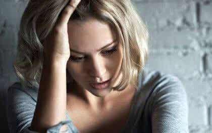 5 frühe Symptome von Angst, die oft unbemerkt bleiben
