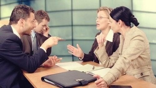 Arbeitskollegen streiten