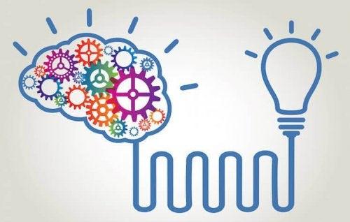 Darstellung eines Gehirns und einer Glühbirne