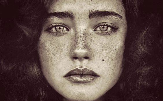 Ausdrucksstarkes Portrait einer Frau