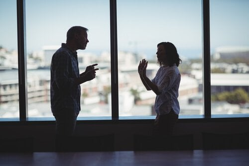 Partner streiten miteinander