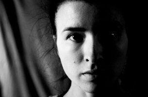 Hemineglect - Eine Hälfte des Körpers liegt im Dunkeln.