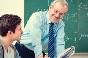 Es geht nicht nur um den Lehrplan -Lehrer und Schüler auf einer Wellenlänge