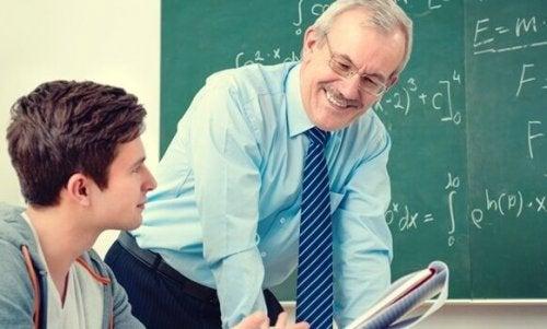 Es geht nicht nur um den Lehrplan - Lehrer und Schüler auf einer Wellenlänge