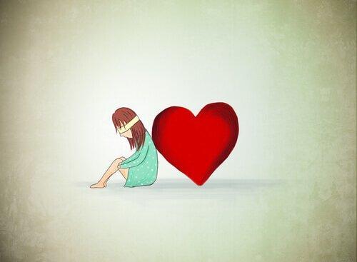 Die Zeichnung zeigt ein Mädchen, das mit verbundenen Augen an ein Herz gelehnt sitzt.